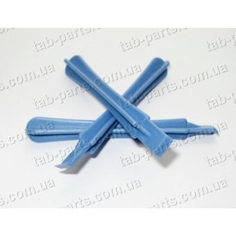 Лопатка пластиковая для разборки корпусов с изгибом